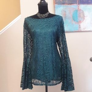 L&B/ Bell Sleeve/ Lace Top